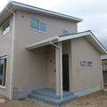 飯塚市: 完成 白を基調とした明るいマイホーム