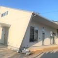 飯塚市:完成! デザイン住宅 平屋にも見える二階建ての白い家